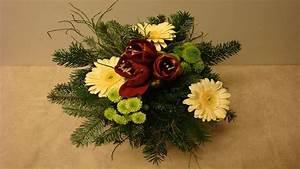 Floristik Deko Ideen : blumenstrau binden floristik im winter deko ideen mit flora shop weihnachten christmas ~ Eleganceandgraceweddings.com Haus und Dekorationen