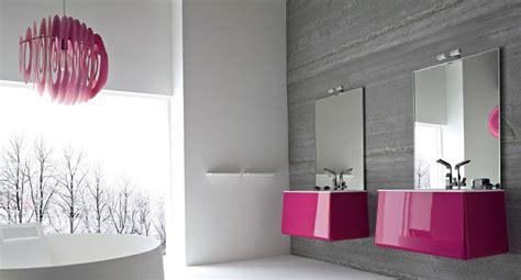 meuble salle de bain colore des meubles suspendus pour une salle de bains chic inspiration bain