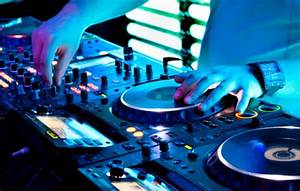 Mobile DJ - Mackie  Dj