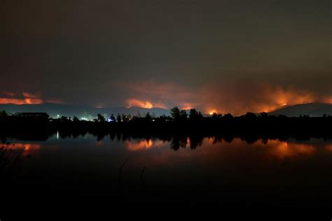 napa fires continue raging  destroying  homes