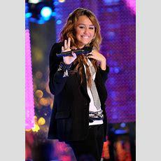 Miley Cyrus Photos Photos  Mtv New Year's Eve Special