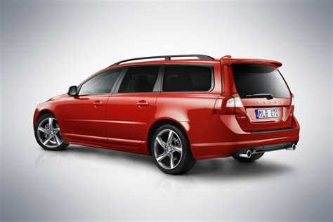volvo up volvo launches luxed up s80 executive and sportier looking