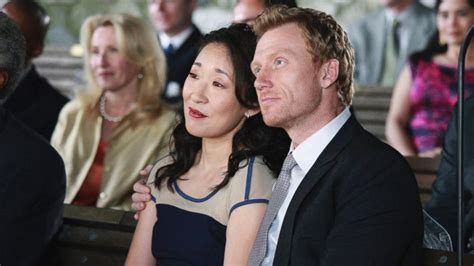 sandra oh yahoo sandra oh has grey s anatomy reunion with former tv