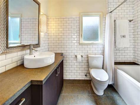tips on choosing the white subway tile for bathroom