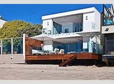 Contemporary Beach House in Malibu, California