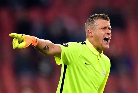 Latvijas futbola valstsvienība UEFA Nāciju līgā nospēlē ...