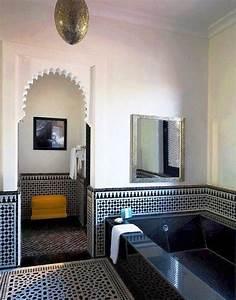 Eastern luxury 48 inspiring moroccan bathroom design for Salle de bain design avec bougie décorative oriental