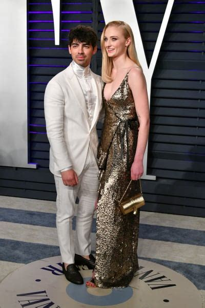 sophie turner  joe jonas surprise  married
