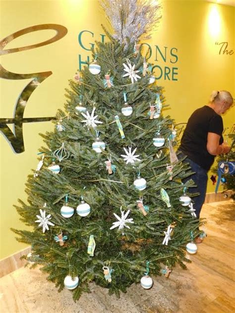photos charity christmas trees decorated bernews bernews