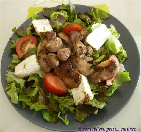 comment cuisiner des tomates vertes salade verte aux foies de volaille et au fromage de chèvre