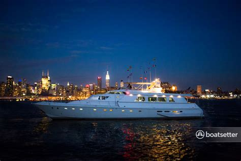 Boat Rental With Captain Nyc by Rent A 1987 97 Ft Couach In Weehawken Nj On Boatsetter