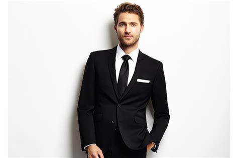 tips memilih warna dasi yang cocok untuk jas hitam gelvybunny