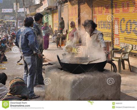 cuisine de rue cuisine de rue en inde photo éditorial image du varanasi