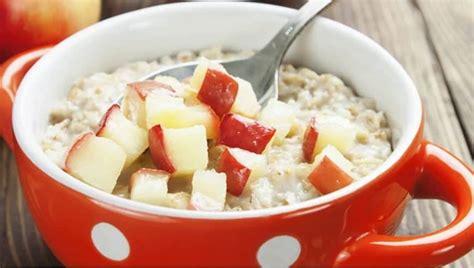 Manfaat quaker oat untuk diet adalah asupan karbohidrat dalam jumlah yang lebih aman untuk tubuh. 6 Cara Mudah Membuat Quaker Oatmeal untuk Diet Sehat