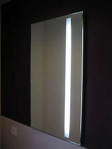 Beleuchtung Für Badspiegel : badspiegel mit led beleuchtung ~ Markanthonyermac.com Haus und Dekorationen