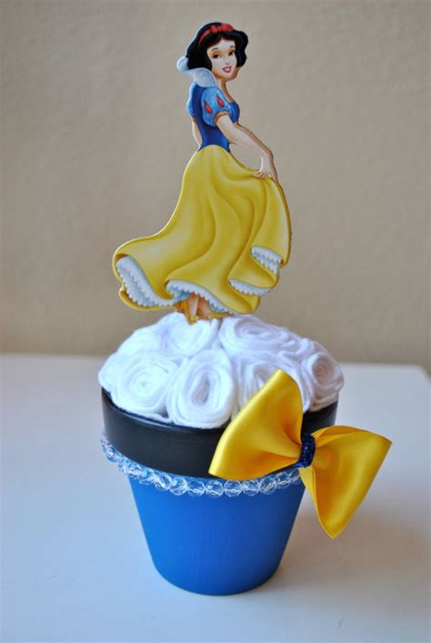 snow white centerpieces snow white centerpiece 11 00 annabella s world pinterest