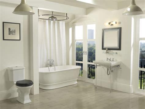 Warrington Deco Close Coupled Toilet Suite Hardwick