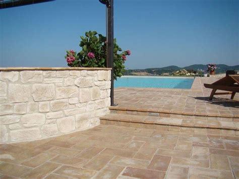 rivestimenti per terrazzi esterni rivestimenti per terrazzi pavimento per esterni
