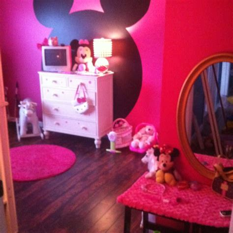 girls minnie mouse bedroom   big blue