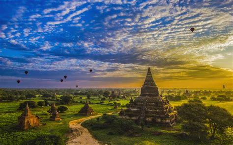 bagan   ancient city located   mandalay