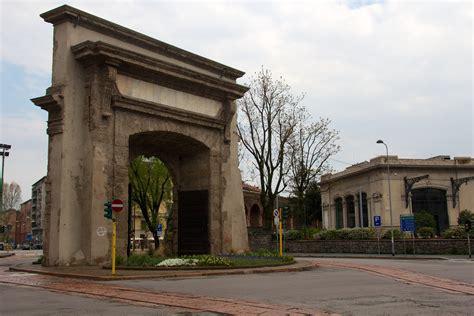 In Porta Romana by File Porta Romana Milan 2 Jpg Wikimedia Commons