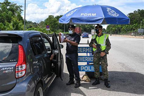 Dilansir afp, otoritas malaysia menyebut peningkatan pesat kasus corona terjadi setelah masa liburan idul fitri. Malaysia's MCO 3.0: How a third Covid-19 lockdown has impacted daily life, SE Asia News & Top ...