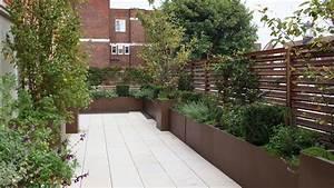 modern roof terrace planters randle siddeley With katzennetz balkon mit green garden apart hotel