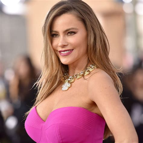 11 #fashionproblems that only girls with big boobs know - scoopnest.com