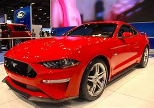 2018 Ford Mustang Shows its Fresh Face » AutoGuide.com News