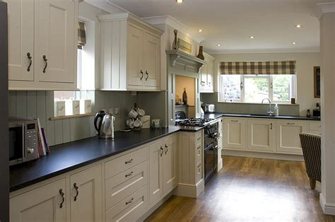 shaker kitchen ideas designing small kitchens with breakfast bars