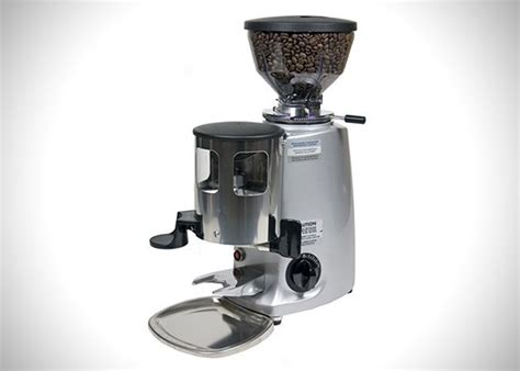 These are the best coffee grinders of 2021. How To Choose A Coffee Grinder - CoffeeNWine