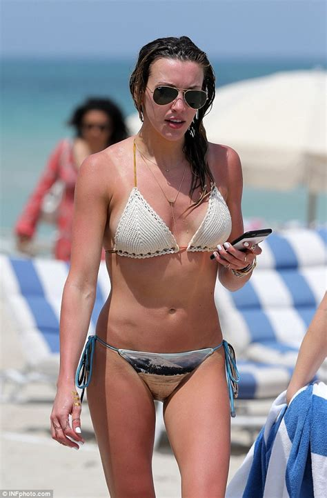 katie cassidy actress katie cassidy shows off action hero figure in bikini after