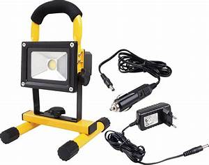 Battery powered portable floodlights : W portable high powered rechargeable led work light