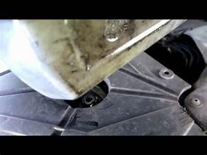 Vidange Twingo 2 : tuto 1 2 faire la vidange d 39 une renault twingo 1 2 16 v how to change engine oil hd youtube ~ Gottalentnigeria.com Avis de Voitures