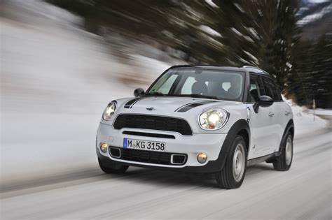 mini suv test test mini cooper countryman 220 berz 252 chtetes suv magazin