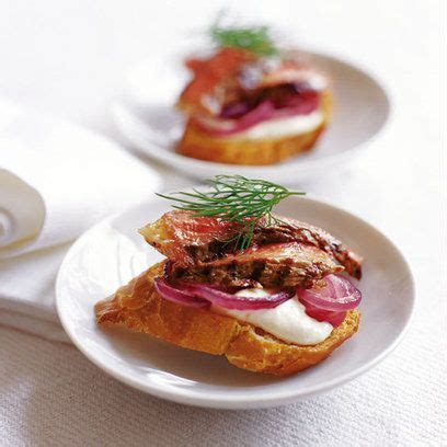 beef canapes recipes crostini with beef horseradish canapes