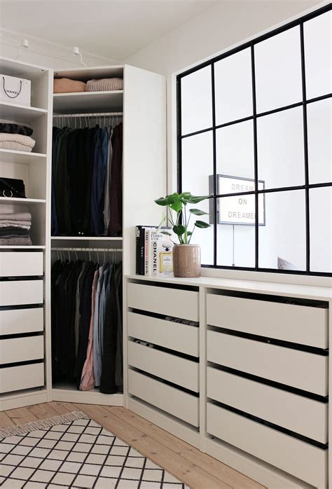 Ikea Schraenke Schlafzimmer by Walk In Closet Ikea Pax Inspiration Dressing Room