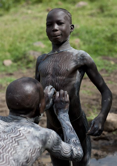 surma body decoration  donga fight ethiopia flickr