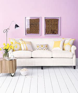 how many throw pillows on a sofa decorating with throw pillows real simple