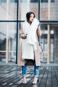 How To Wear The Oversized Scarf Trend | Huge Scarf Outfit ...  Wearing