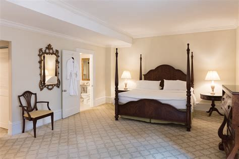 guest rooms  racquet club  philadelphia
