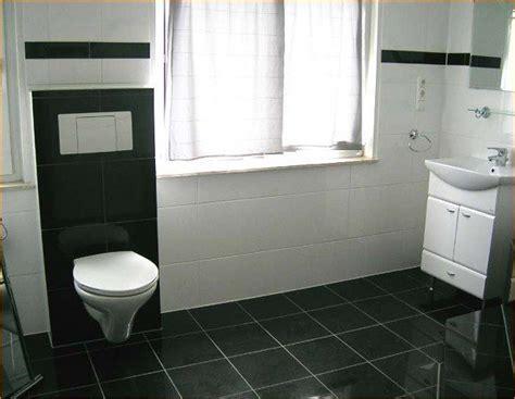 Geflieste Bäder Beispiele by 17 Best Images About Bathroom On Black Colors