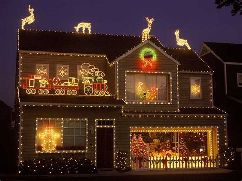 31 Exterior Christmas Decorating Ideas Inspirationseekcom