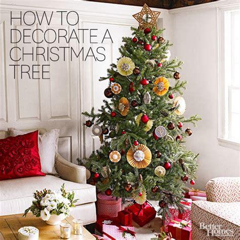 decorate  christmas tree   easy steps  homes gardens