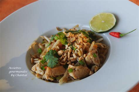 cuisine poulet recette de pad thaï nouilles de riz sautées au poulet