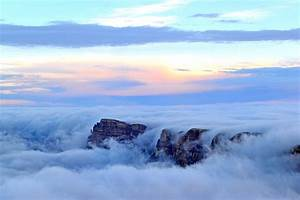 Temperature inversion causes the grand canyon to flood for Temperature inversion causes the grand canyon to flood with clouds