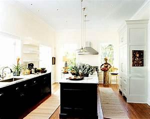 Black Bottom And White Top Kitchen Cabinets White Upper