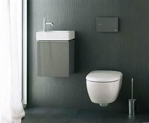 idee deco toilette moderne classique elegante With carrelage adhesif salle de bain avec publicité lumineuse led