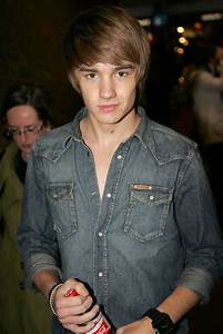 Liam Payne in One Direction in Covent Garden - Zimbio