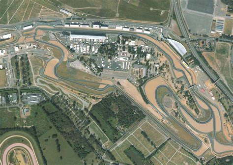 le bureau le mans air picture from the bugatti circuit from le mans